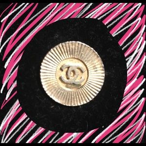 Vintage Authentic designer style Chanel button
